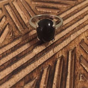 Black Stone Ring. Fits at an 8!